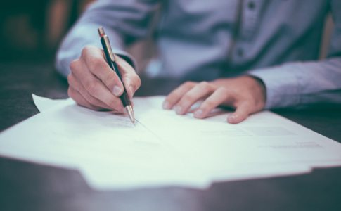 契約書の作成方法と交わし方